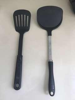 High heat resistance spatula