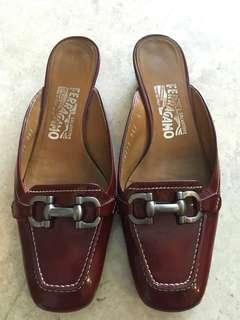 Original Salvatore Ferragamo Classic low-heeled mules (size 6, maroon)