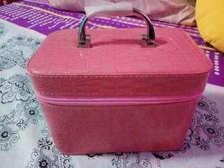 [BRAND NEW] Pink Croc Train Makeup Case.
