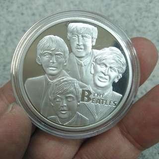 經典音樂組合--The Beatles(披頭四)--精鑄鍍銀紀念章