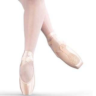 BNWT Sansha Soft Toe Demi-Pointe Shoe DP801