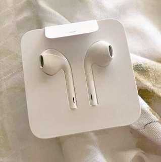 🎧Apple - EarPods蘋果耳機具備Lightning 連接器🎧