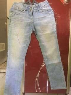 Celana jeans masih bagus