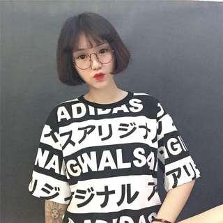 🚚 現貨~日文字母黑白條紋上衣 短袖上衣 短線T恤