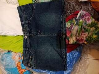 Celana bordir dan rok jeans