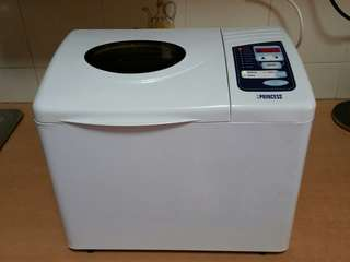 Bread maker in excellent condition