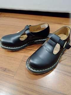 🚚 全新Dr.Martens 馬汀 polley T bar 單扣 瑪莉珍鞋 靴子 百搭 硬皮 澳洲帶回無鞋盒