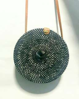 rottan bag with clip button