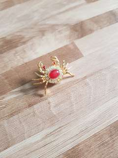 Free Mail - Brand New Ladies Gold coated Crab design Brooch with Crystal and red ruby