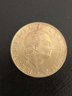 Old Italy coin 200 lire