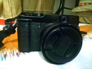 Fujifilm X10 mirrorless