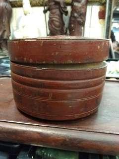 民初或稍后 上紅漆圆形木盒