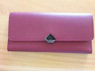 Preloved Dompet Import Warna Maroon