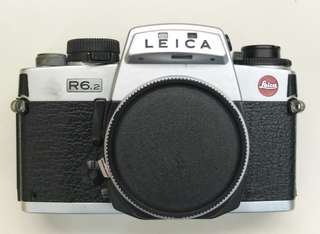 Leica R6.2 SLR 35mm film camera with eyecup and carrying strap