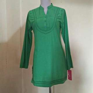 Retro Green Blouse