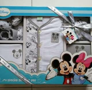 Disney New Born Gift Set (6 pcs)