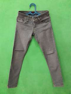 celana panjang jeans Logo