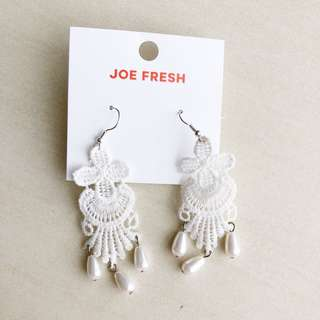 Joe Fresh White Lace Earring