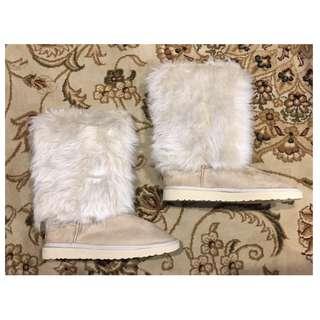UGG Australia Fluffy Cuff Ugg Boots - Size 10