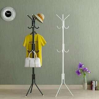 Standing hanger