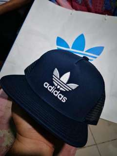 AUTHENTIC CLASSIC ADIDAS CAP
