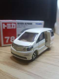 Takara Tomy Diecast Tomica No. 78 Toyota Alphard 2002 scale 1/65 Discontinued
