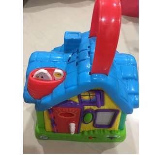 Leapfrog sing and play house