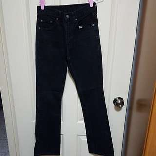 Fast deal $28 Authentic Levies jean