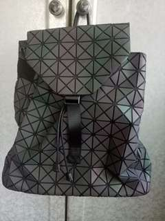 🚚 Issue miyake 幾何菱格包