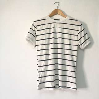 $6 BN Basic Black and White Stripes Tee Top