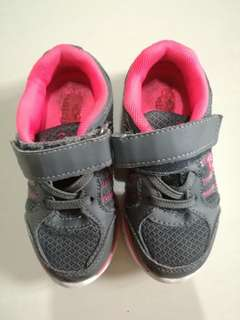 Girl sport shoes kids