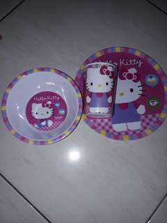 Set Makan anak hello kitty