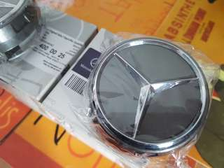 Mercedes Benz sports hub cap. Suits most MB models