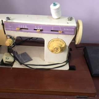 Singer 968 Sewing Machine