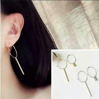 Earring. gold