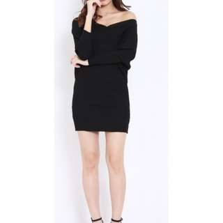 V neck knit dress
