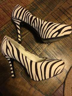 Oscar & Sampson Australia zebra pumps