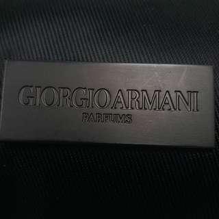 GIORGIO ARMANI PARFUMS 旅行化粧袋 (男女合用)  GIORGIO ARMANI PARFUMS BAG / MAKE UP COSMETIC BAG CASE / TOILETRIES POUCH GREY NYLON ZIPPERS TOP CLOSURE (unisex)