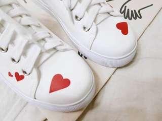 🚚 (B73)【人氣夯款♥️愛心時尚休閒鞋】