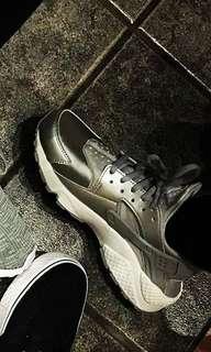 Nike Air Huarache Silver Gray