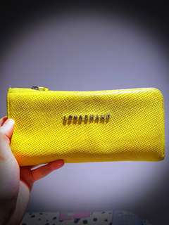 Preloved - ORI Longchamp Yellow Wallet