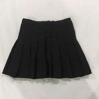 Korean black pleated skirt