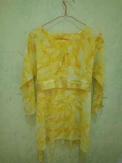 Code 010 // blouse