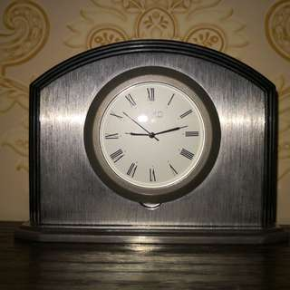 Wako metal table clock