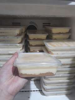 3 layered Mango Graham