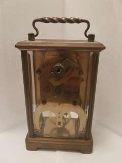 5吋高坐枱上鍊機械時鐘