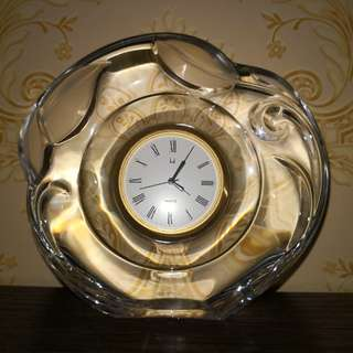 Table crystal clock
