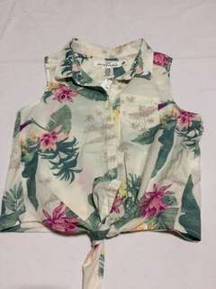Summer sleeveless top with leaves