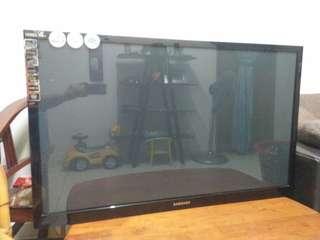 TV samsung 42inci skrin retak remote bracket blkg semua ada