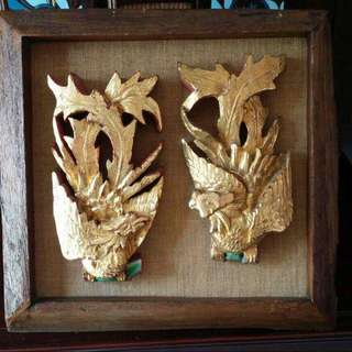 Gold lacquer wood carving